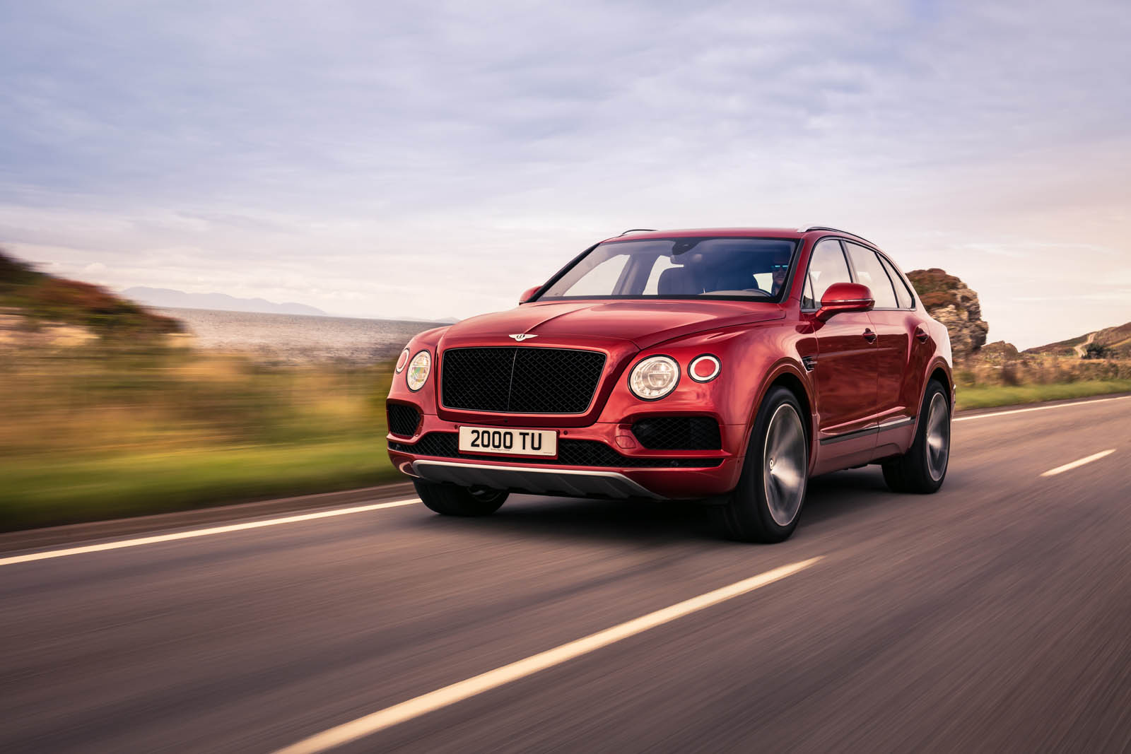 The British luxury car manufacturer Bentley Motors has made a presentation of the high-end Bentayga off-roader
