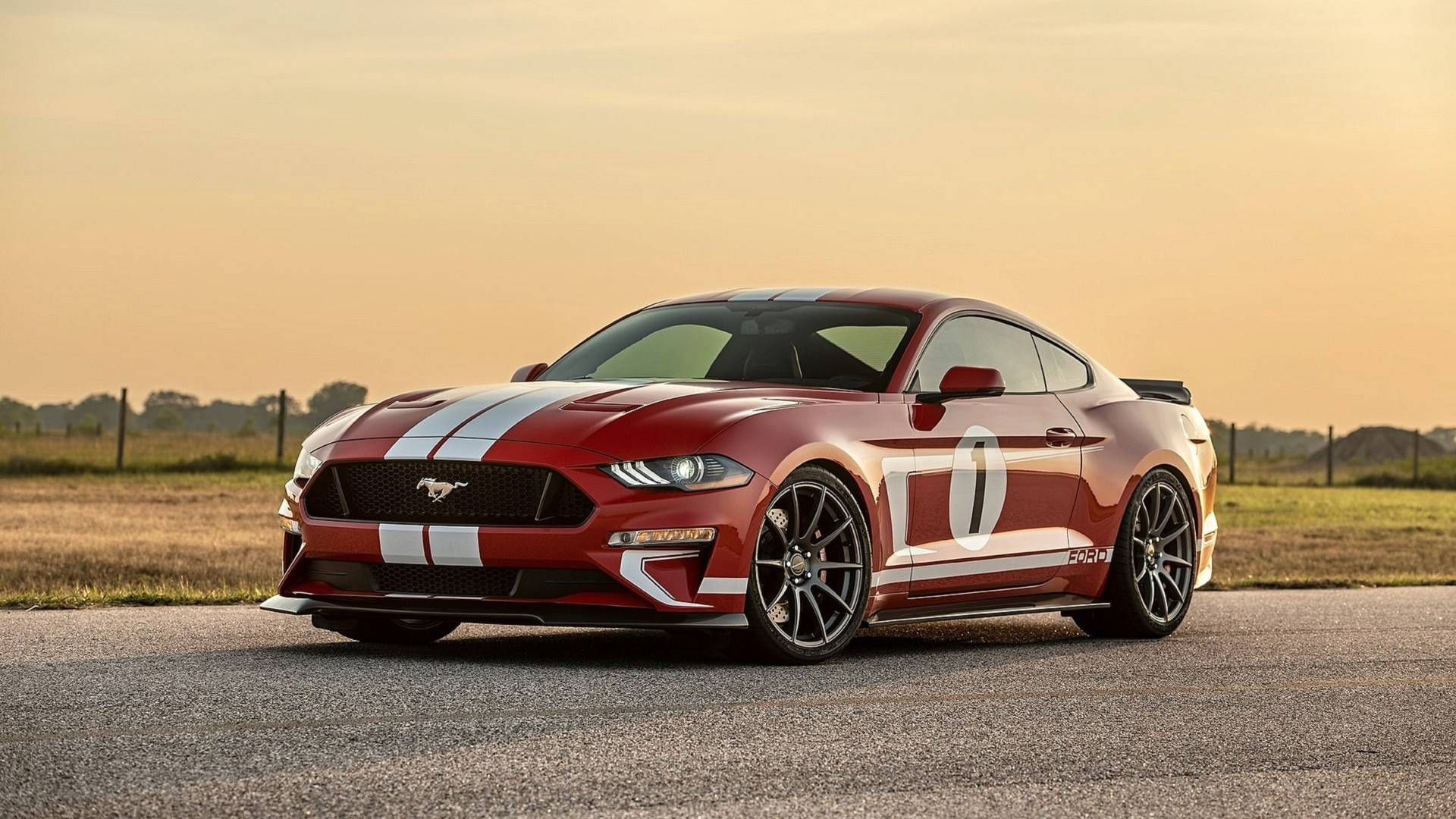 U.S. atelier Hennessey has announced a limited series of Ford Mustang muscle cars, named the Heritage Edition, to celebrate 10,000 customized vehicles