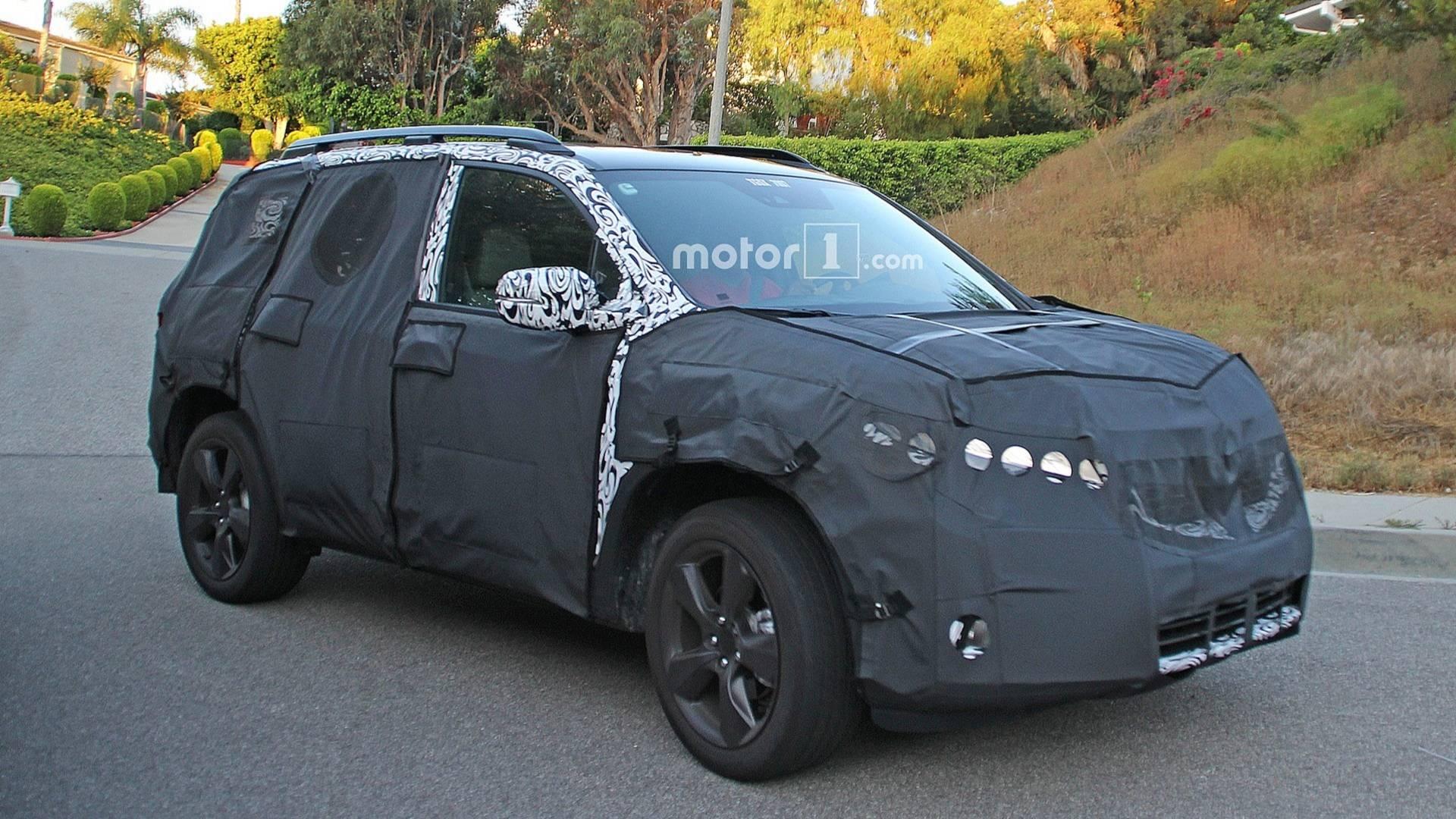 Японский автомобилестроитель «Хонда» вывел на дорожные испытания новый кроссовер с возрожденным названием Passport
