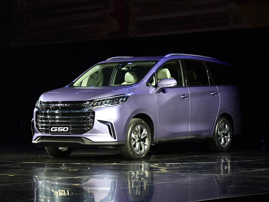На днях компания официально представила свой новый автомобиль – компактвэн Maxus D50